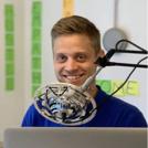 Kristian Emil Larsen hjælper med generelle henvendelser i kontakt supporten